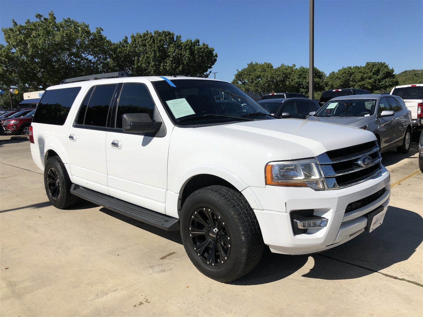 Pre Owned  Ford Expedition El Xlt