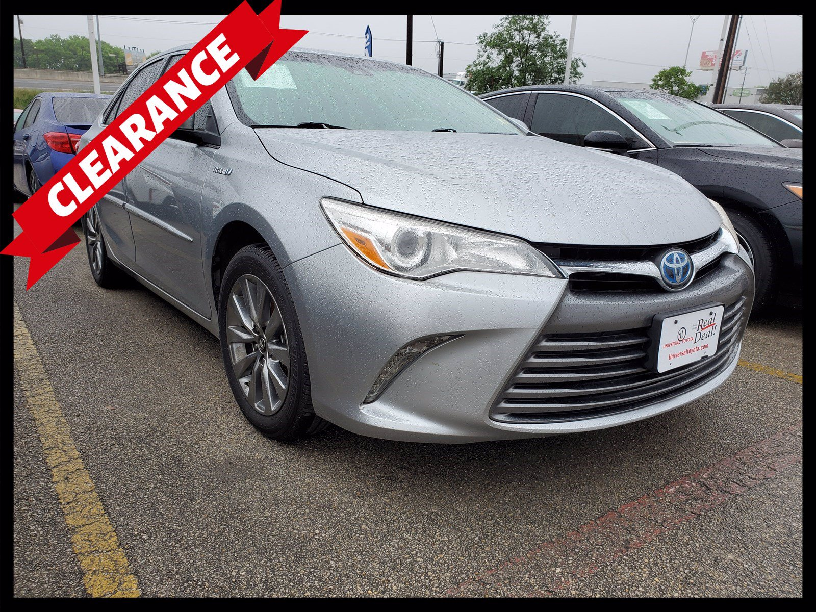 Pre-Owned 2017 Toyota Camry Hybrid SE