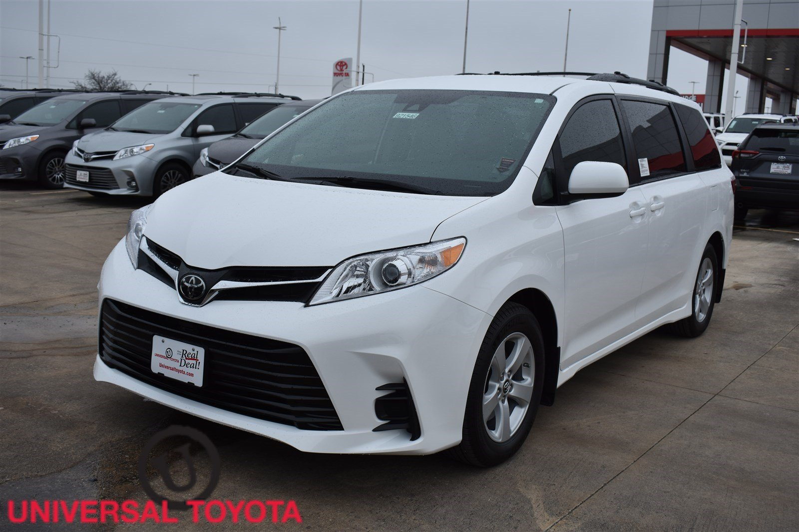 New 2019 Toyota Sienna LE Auto Access Seat