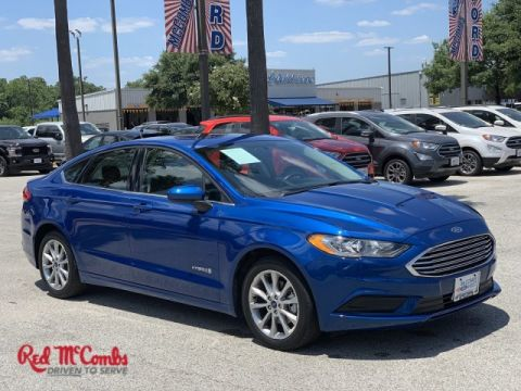 Pre-Owned 2017 Ford Fusion Hybrid SE